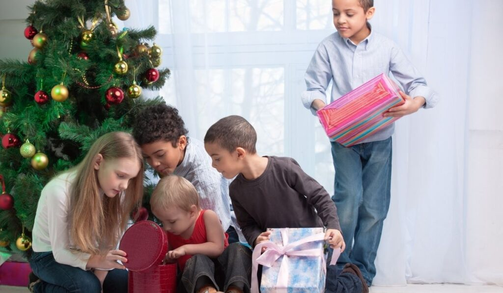 Children and Christmas Gift